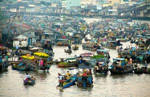 Cho thuê xe 7 chỗ du lịch chợ nổi Cái Bè – Tiền Giang