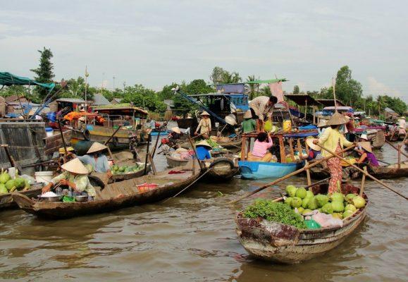 Tham quan chợ nổi Cái Bè – KDL Ving Sang trong ngày